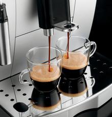 Przygotowanie dwóch espresso jednocześnie